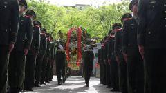 武警北京总队执勤九支队举行纪念李登贵同志牺牲45周年活动