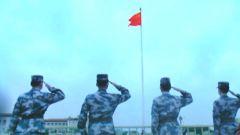 青春与青春的对话:喀喇昆仑边防军人走进国旗护卫队