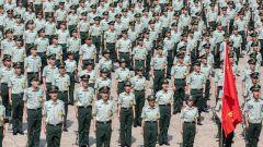 武警广西总队新兵团举行2021年度春季入伍新兵授衔仪式