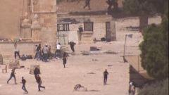 巴以在东耶路撒冷冲突 致300多人受伤
