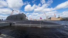 尹卓:俄高超声速核潜艇服役 或让美国防不胜防