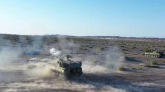 大漠戈壁 火力超猛!直击炮兵分队实弹射击演练