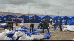 青海果洛:武警官兵严寒中持续展开地震救援