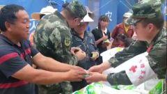 云南漾濞:党员做先锋 为灾区群众送温暖