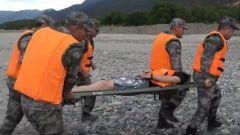 应急演练 看舟桥分队如何开展水上救援