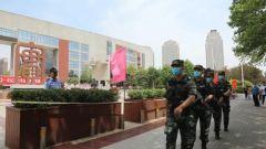 武警官兵加强执勤 护航全国高考