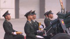 一出场就是满满的仪式感!礼炮兵阅兵仪式上震撼开场惊艳世人