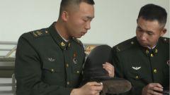 高强度训练只为这庄重的一跪!礼炮兵平均每周就会跪烂一双马靴