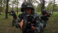 【直击演训场】多伞型实跳 锤炼特战队员立体渗透能力