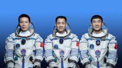 【筑梦太空】新老搭配 神舟十二号飞行乘组三名航天员