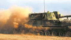鐵騎鏖戰:陸軍第75集團軍某合成旅炮兵營展開實戰化演練