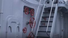 """艦艇樓梯""""一滑而下 快速到位 """""""