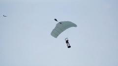 助力伞兵空中翱翔 风洞训练不可或缺