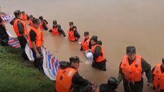 【抢险救灾 人民子弟兵在行动】救援现场 他们的样子让人心疼