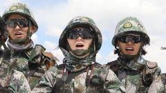 兴奋!激动!10名大学生女兵首次高原踏雪巡逻