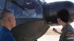 """开讲啦!机长告诉你直-8B直升机的""""大鼻子""""有啥用?"""
