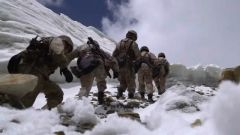 海拔高 路途险 新组成的党员突击队第一次巡逻就迎来了极大挑战