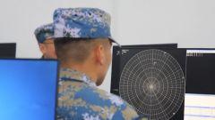 自动通信因故中断怎么办?雷达兵靠伶俐口齿上传情报