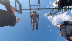 飞行员是如何训练飞行技能的?来跟随记者体验旋梯训练